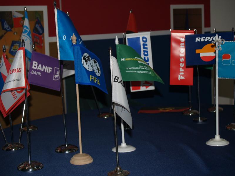 Bandeiras com suporte