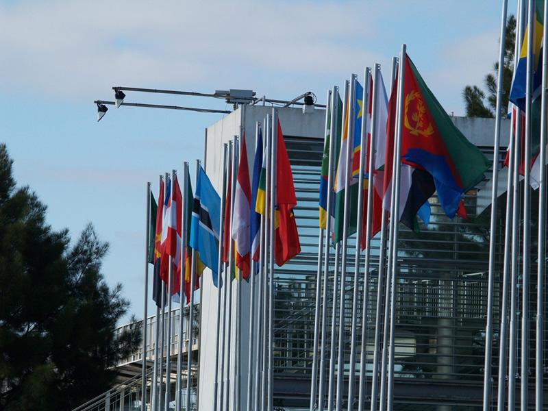 Bandeiras em mastros